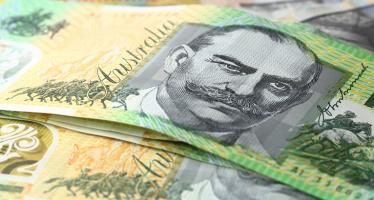 Pound to Weaken on UK Treasury's Warning