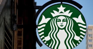 Overbeaten Starbucks Signals Reversal on Q4 EPS View