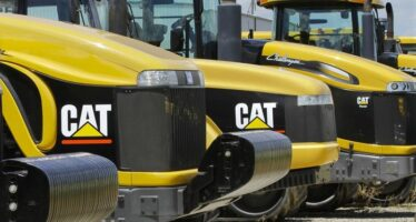 Caterpillar Signals Downtrend on Fitch's Rating Downgrade