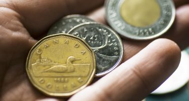 Loonie Rises on Positive Trade and Employment Figures