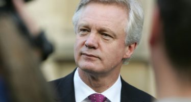 Pound Weakens as EU Prioritises Exit Bill Negotiations