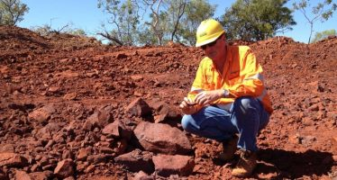 Aussie Turns Weak on Gloomy Iron Ore Price Forecast