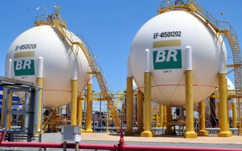 Petrobras Up on Lower Debt, Decline in US Oil Inventory