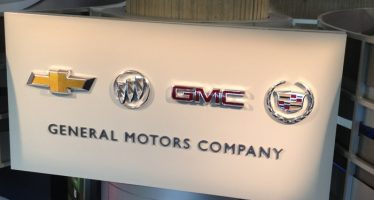 GM Swings to Loss in 3Q17, Reaffirms FY17 EPS View