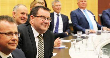 Kiwi Dollar up on Impressive Maiden Budget by Robertson