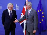 Pound Down on Widened Trade Deficit, Brexit Uncertainty
