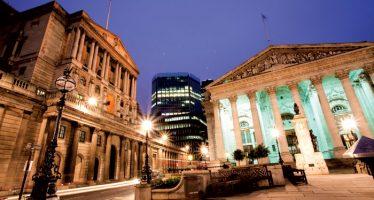 Pound Turns Weak As BoE Confirms Gradual Rate Hikes