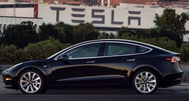 Tesla Achieves Model 3 Weekly Production Target