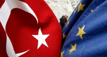 Euro Remains Weak Despite Solid Flash GDP Data