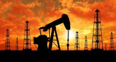 Canadian Dollar Down On Poor Mfg. Sales, Oil Glut Worries