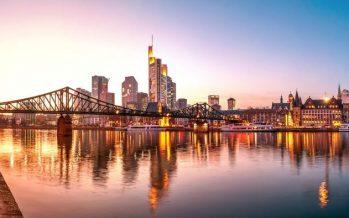 Euro Declines On Weak German IFO Business Climate Data