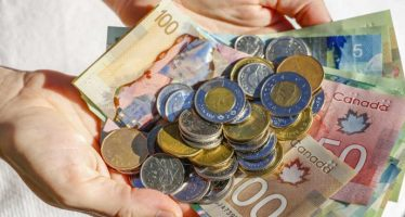Canadian Dollar Declines On Drop in Wholesale Sales