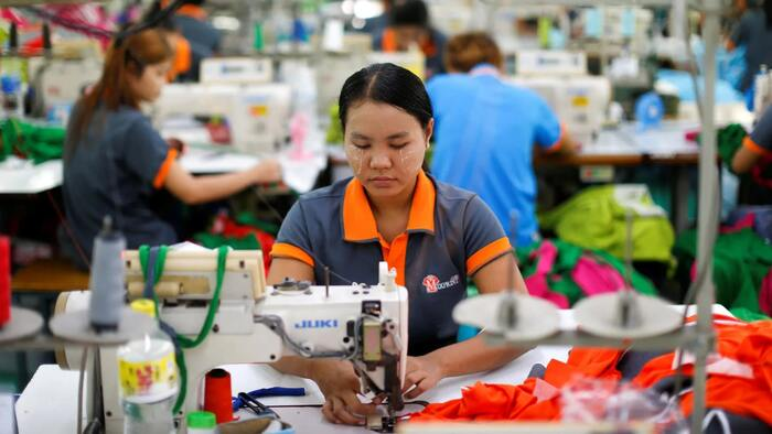 Employees busy in a Chinese factory - photo - 1st Oct 2019