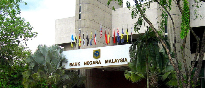 Malaysian Economic Growth Tumbles to Decade Low