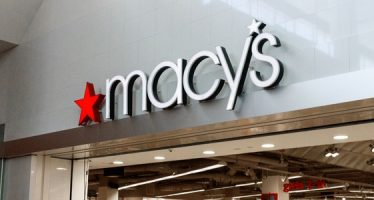 Department Store Macy's Issues Gloomy Outlook
