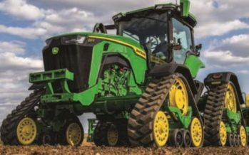 Deere Q2 Earnings Decline 41% YoY, Issues Weak FY 2020 View