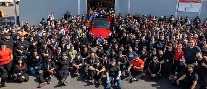 Tesla employees back at work despite the state still being in lockdown - photo - 13th May 2020